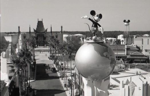 Schwarz-weiß Foto der Disney-MGM Studios in Walt Disney World