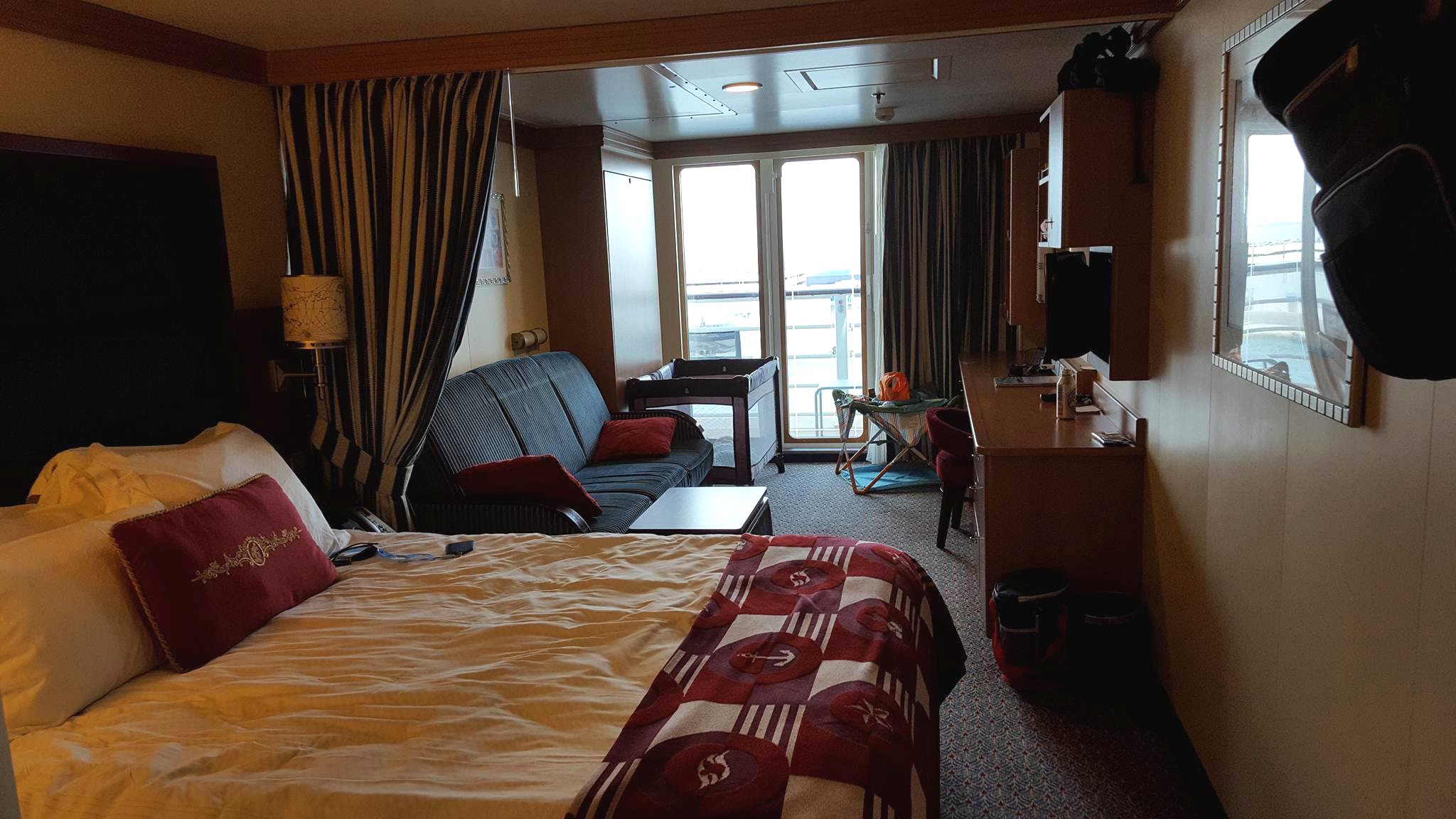 disney dream sofa bed leather sectional covers room 7128 cruise mom blog deluxe family oceanview with a verandah