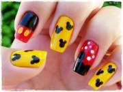 traditional mickey mouse nail art