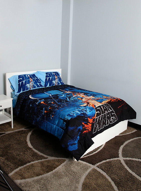 Top 7 Disney Bedding On Sale Today At Hot Topic
