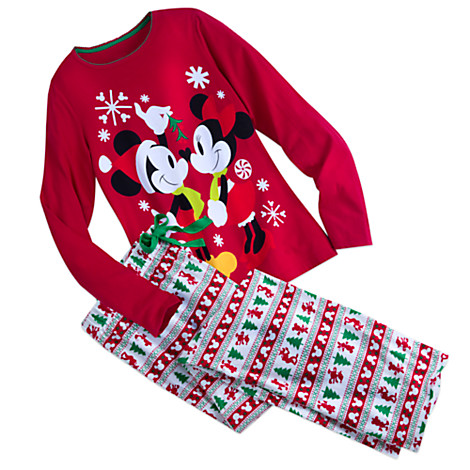 413a43ff9 Two New Holiday Sleepwear Sets for the Whole Family