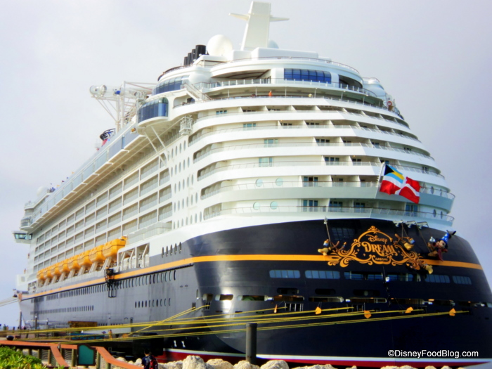 Disney Dream exterior photo
