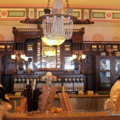 Ice Cream Parlor Table And Chairs Wheelchair Zebra Crossing Review: Chocolate Chip Cookie Hot Fudge Sundae At Gibson Girl In Disneyland ...
