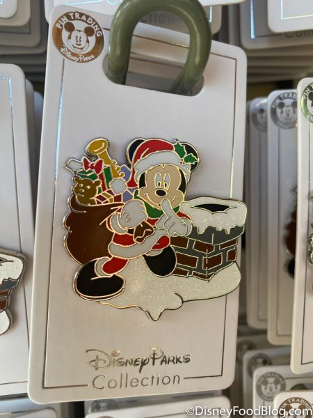 Disneyland 2020 Pin Traders Christmas Pin Mickey Chimney