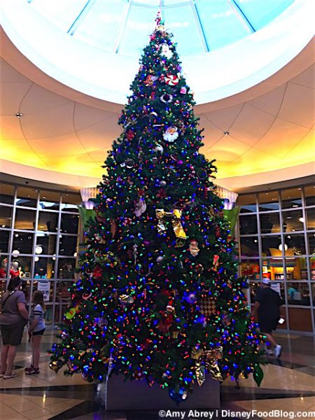 pop century resort christmas tree