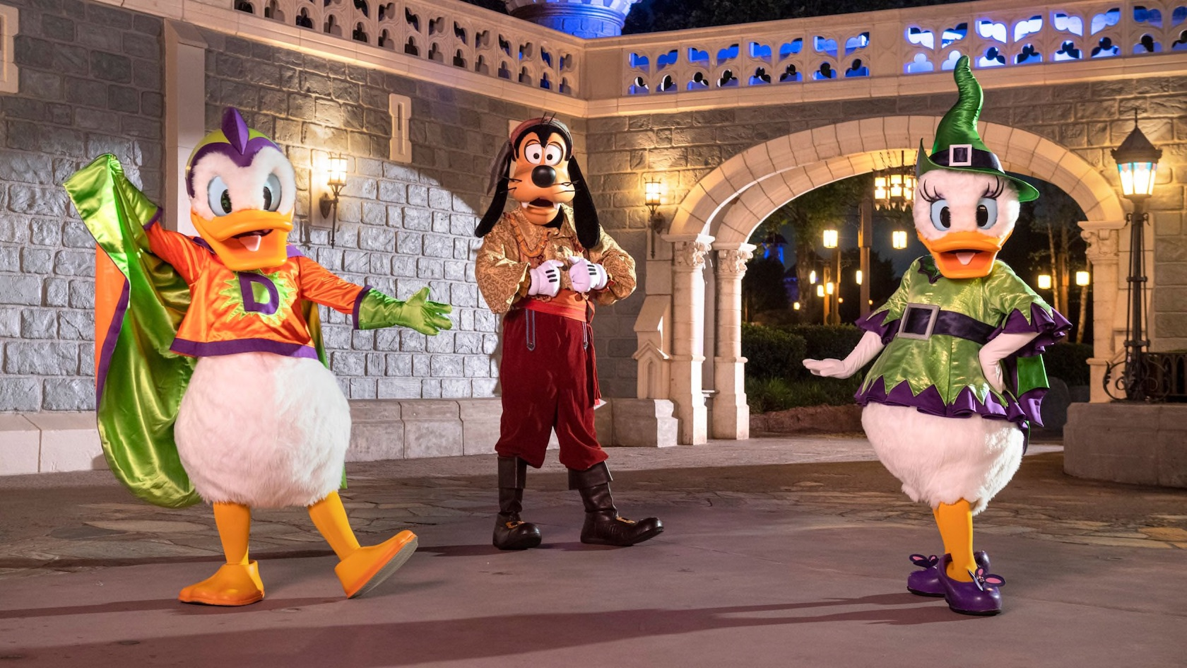 The event officially starts at 7pm, but you can enter magic kingdom before then (around 4pm). Breaking After Hours Boo Bash Replacing Mickey S Not So Scary Halloween Party In Disney World The Disney Food Blog