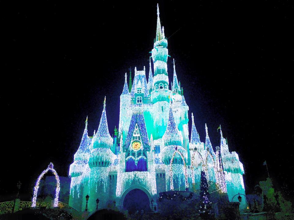 Mickey's-Very-Merry-Christmas-Party-Cinderella-Castle