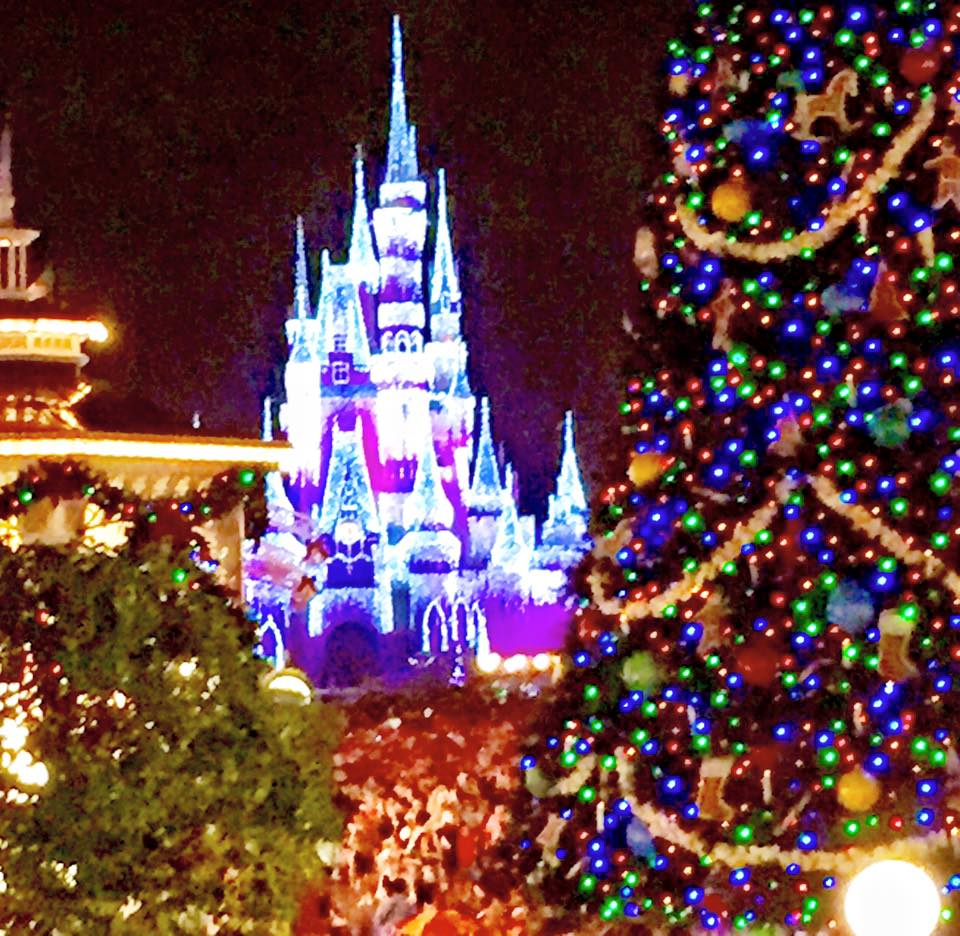 guide to mickeys very merry christmas party 2015 disney gals - Mickeys Christmas