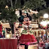 This Christmas Give The Gift Of Memories With All New Give Disney Vacations