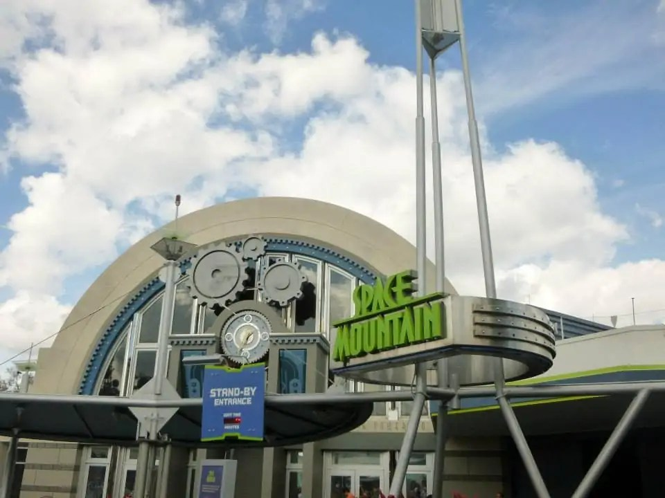Disney World vs. Disneyland: Space Mountain