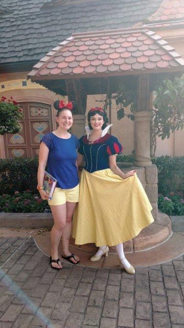 Snow White Disney Bound