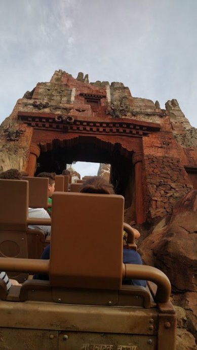 Expedition Everest - Disney in your Day