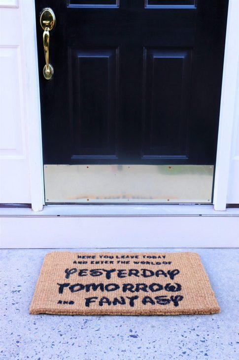 DIY Disney doormat - Disney in your Day