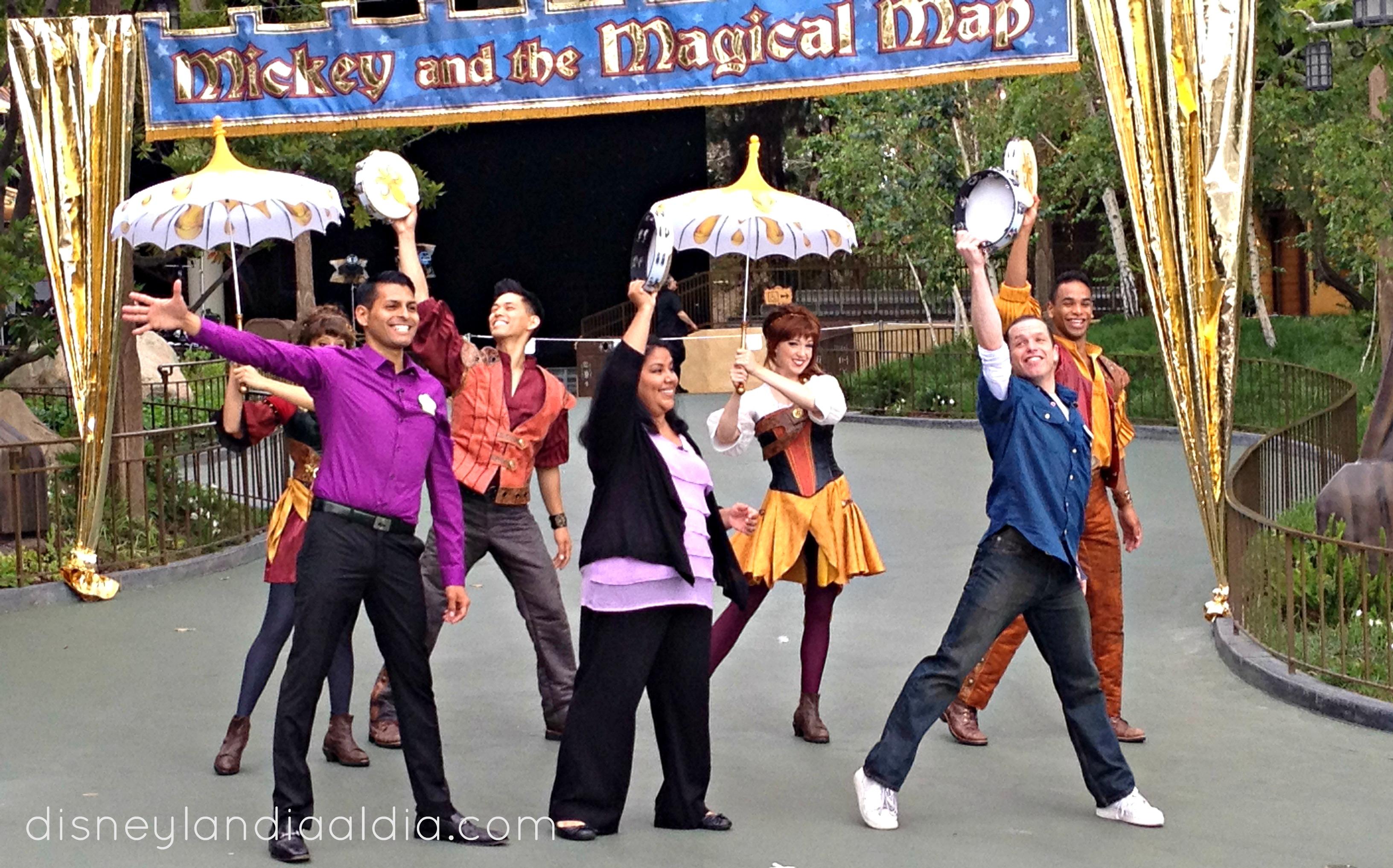 bailando-con-el-elenco-del-show-mickey-y-el-mapa-magico-video