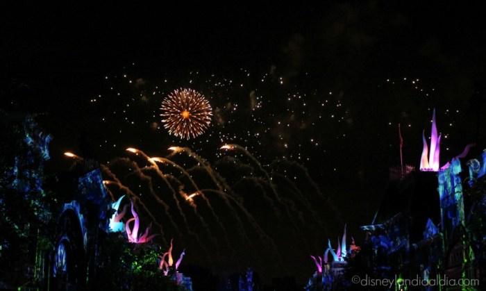 Escena de Disneyland Forever - Sirenita - old.disneylandiaaldia.com