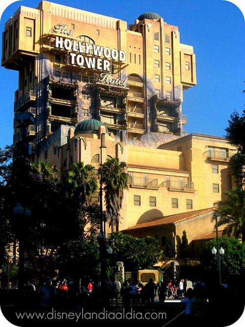 La torre del terror en Disneylandia