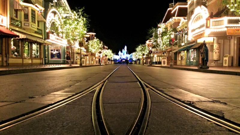 Main Street de Noche en Disneylandia