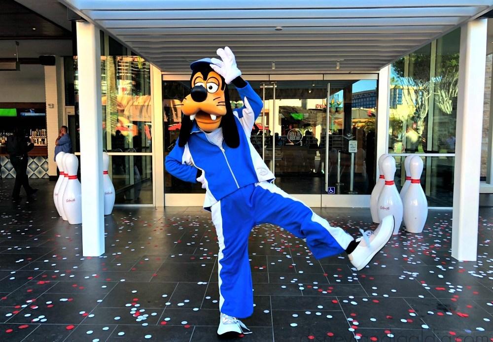 3 Razones para Visitar Splitsville Luxury Lanes en Downtown Disney