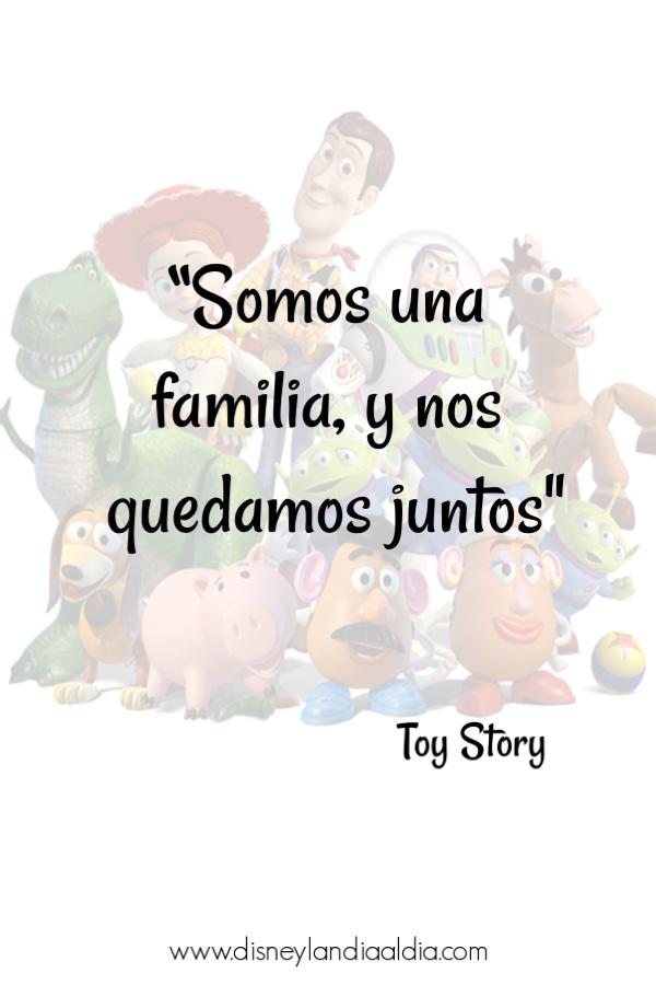 frase de Toy story: Somos una familia