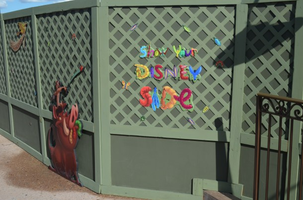 Pumbaa andTimon line this wall between The Hub and Adventureland