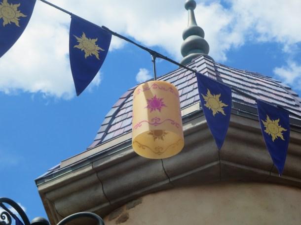 Rapunzel lantern