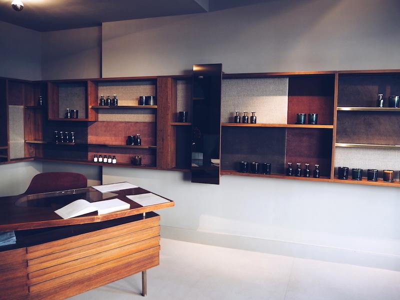 Lyn Harris Perfumer H 106a Crawford Street London W1
