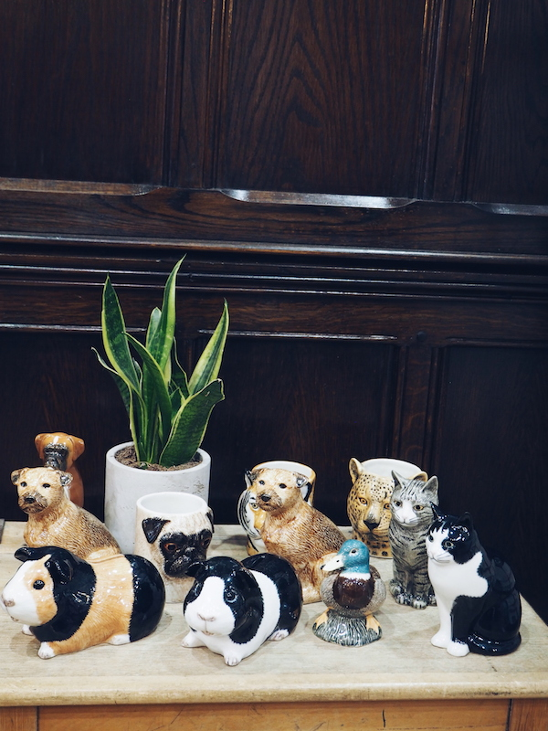 Liberty animal pen pots
