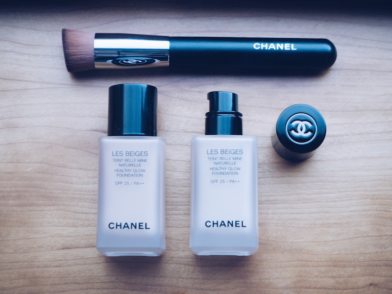 Chanel Les Beiges Healthy Glow Foundation and Chanel Fluid Powder Foundation Brush
