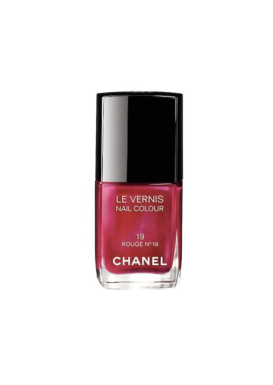 4 Les-Rouges-Culte-de-Chanel-Rouge-19-nail-colour