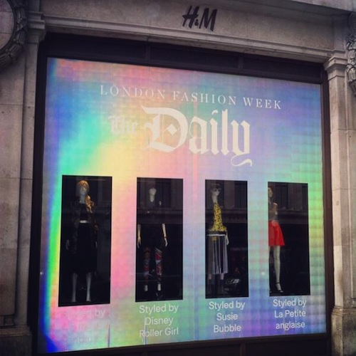 Disneyrollergirl-H&M-oxford-circus-Windows