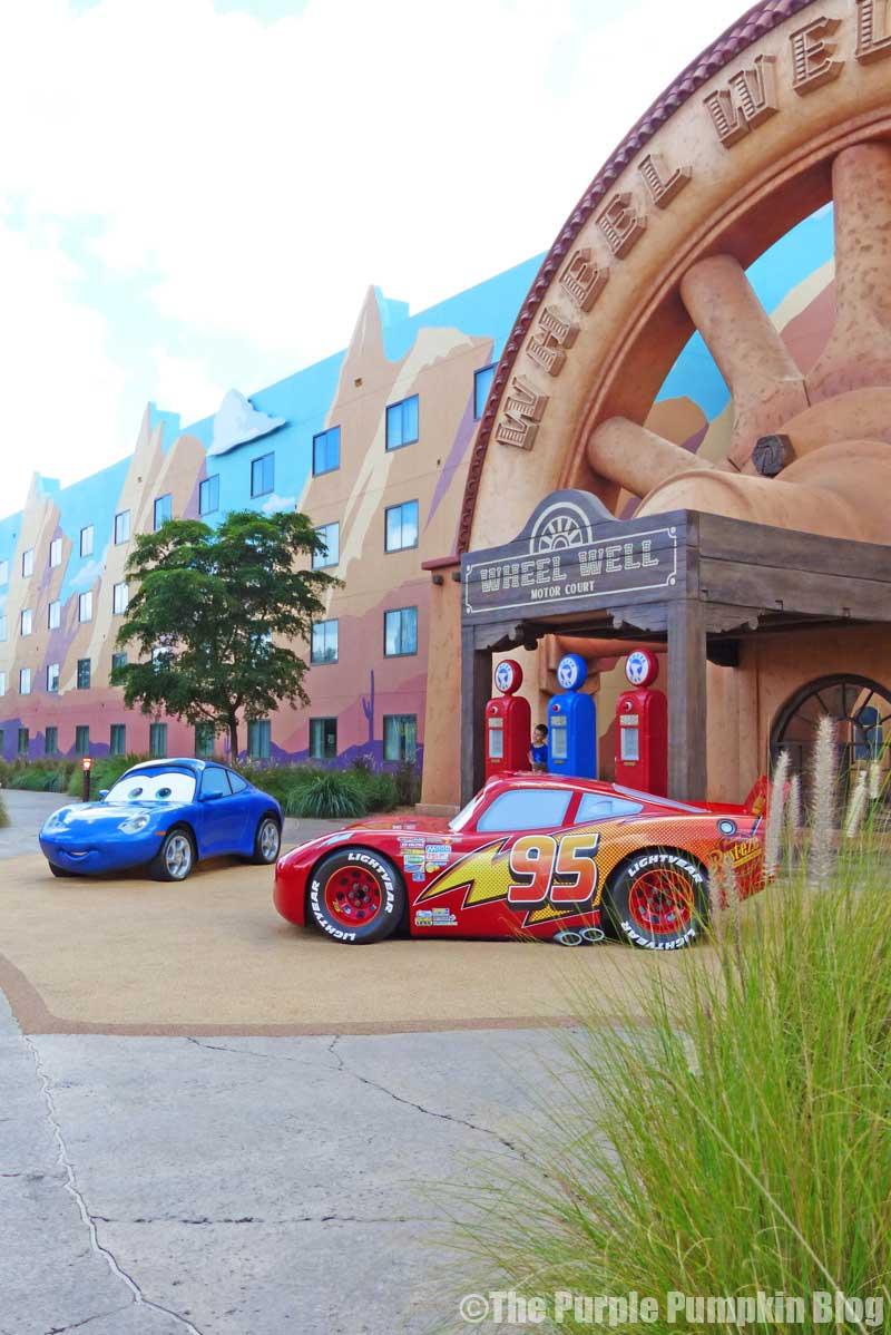 Disney's Art of Animation Resort - Cars Courtyard - Lightning McQueen Model