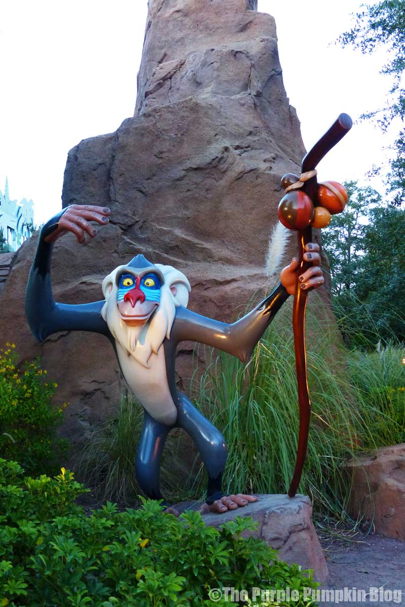 Disney's Art of Animation Resort - The Lion King Courtyard - Rafiki Statue