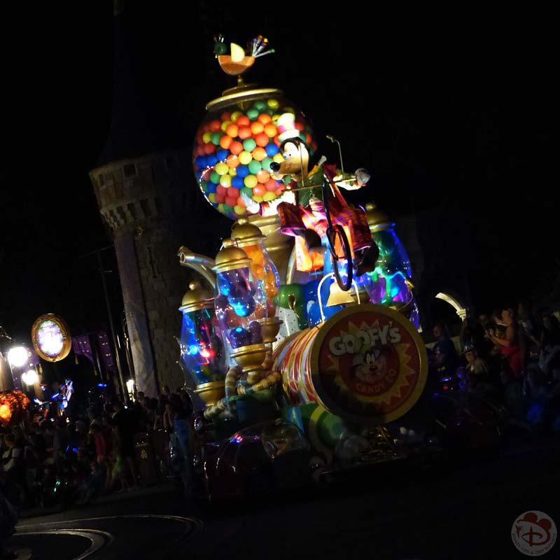 Mickey's Boo To You Halloween Parade - Mickey's Not So Scary Halloween Party