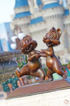 Chip n Dale Statue - Magic Kingdom