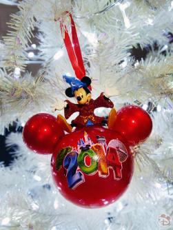 Walt Disney World 2014 Mickey Mouse Christmas Ornament
