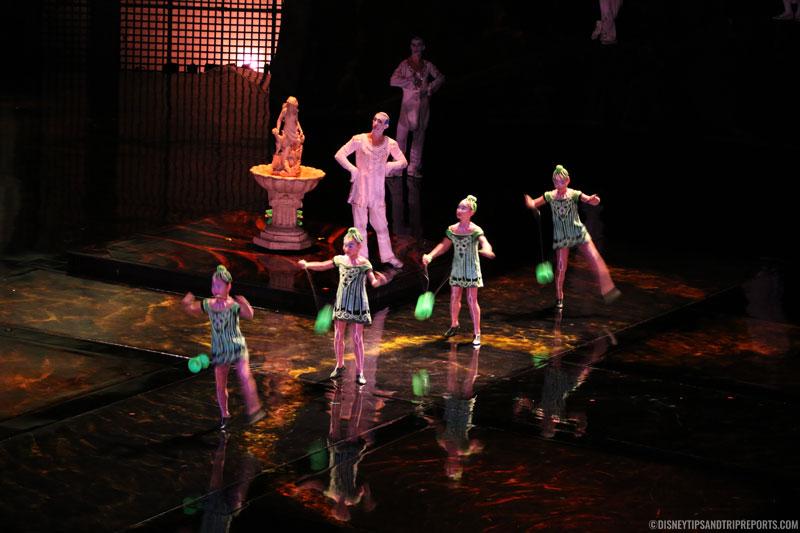 Diabolos - Cirque Du Soleil - La Nouba