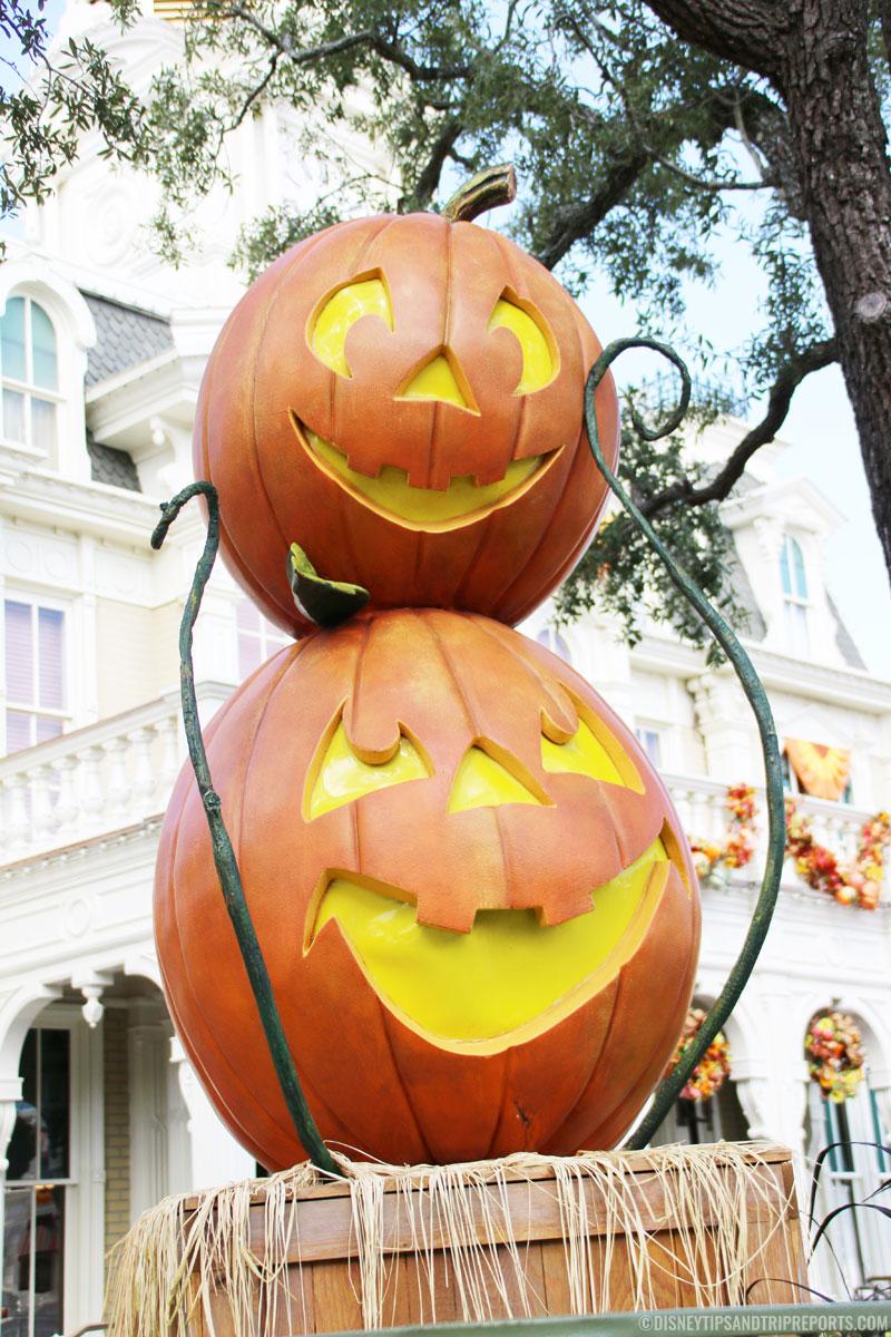 Magic Kingdom - Pumpkin Stack