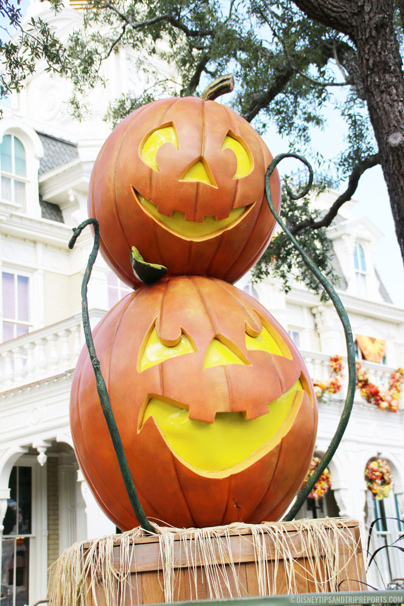 Magic Kingdom - Pumpkin Stack