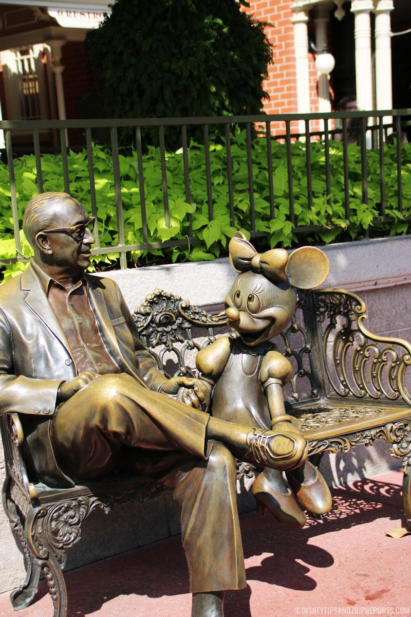 Magic Kingdom - Minnie & Roy Statue