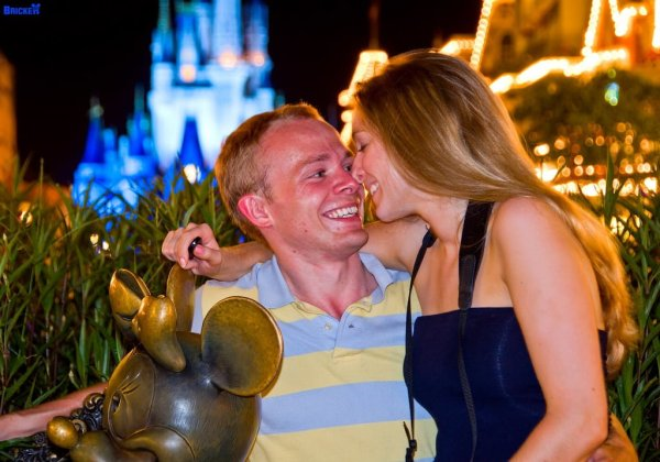 sarah-tom-bricker-disney-tourist-blog