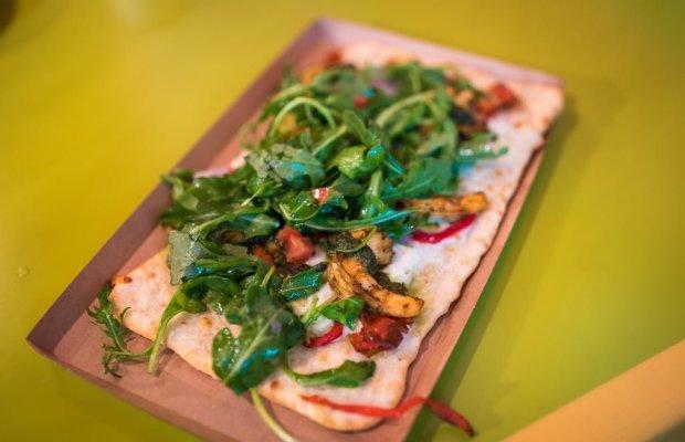 pizzafari-animal-kingdom-restaurant-disney-world-004