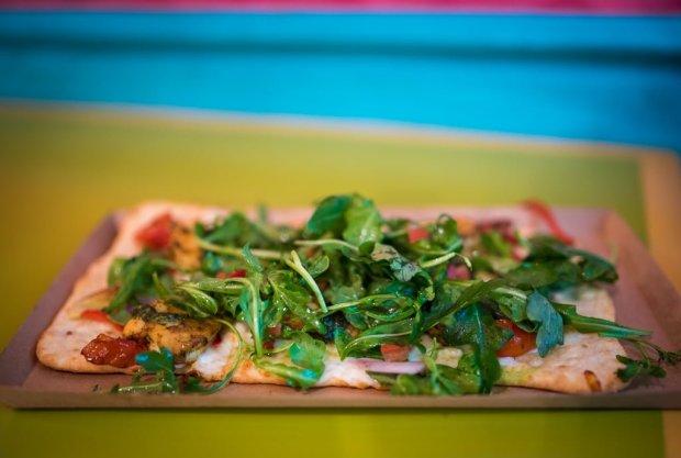 pizzafari-animal-kingdom-restaurant-disney-world-005