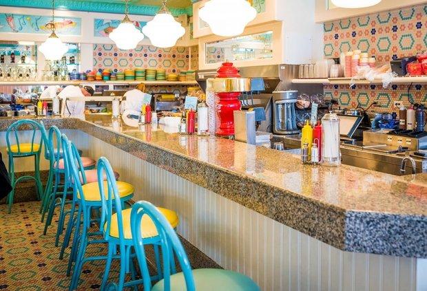 beaches-cream-soda-shop-disney-world-epcot-dessert-133