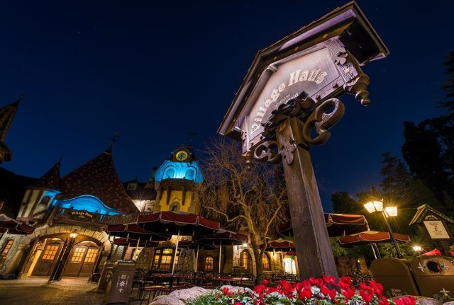village-haus-night-disneyland