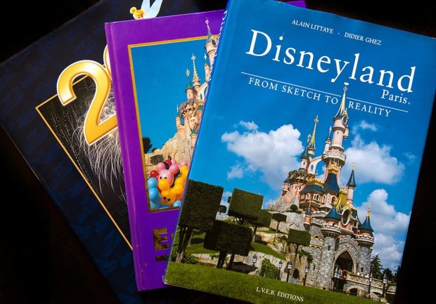 disneyland-paris-books