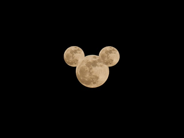 Super Moon 2012 Mickey Mouse