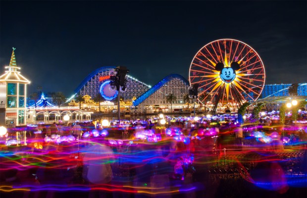 """World of Color """"Glow with the Show"""""""
