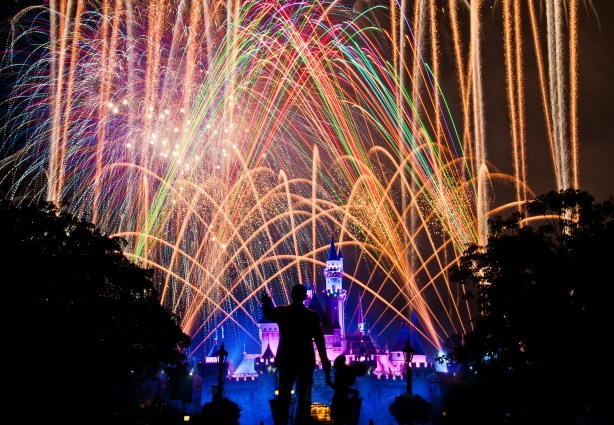 Disneyland's Magical Fireworks - 56 second neutral density filter