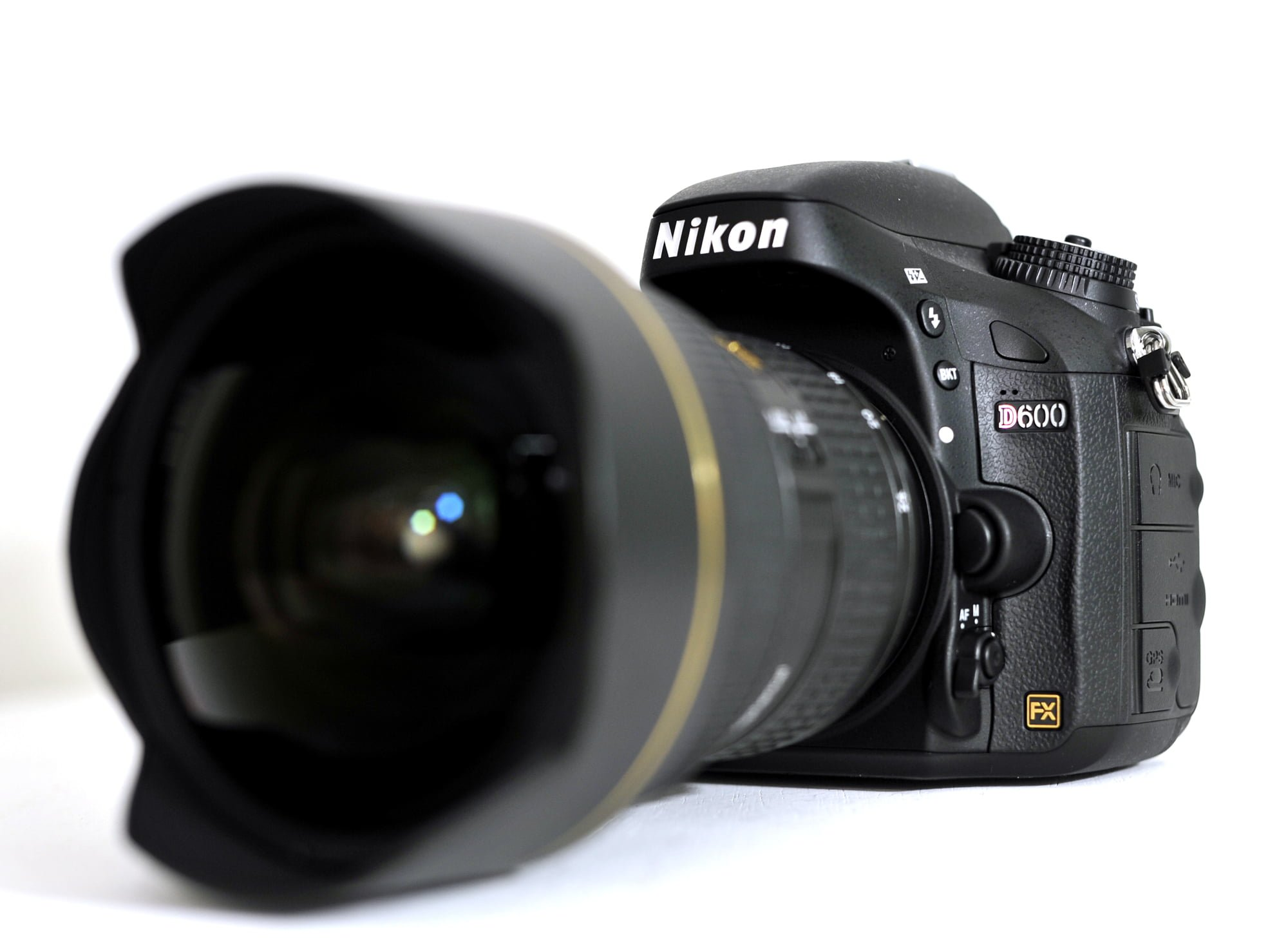Before we get to the review of the D600, here are my capsule reviews of the  Nikon D700 and D7000 (click here for my full D7000 review), just so those  of you ...