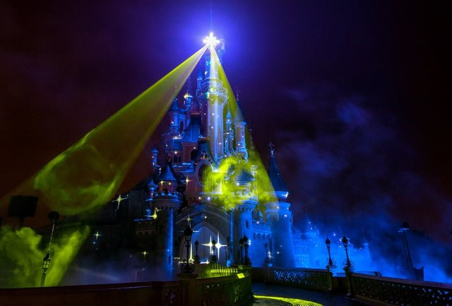 disney-dreams-lasers